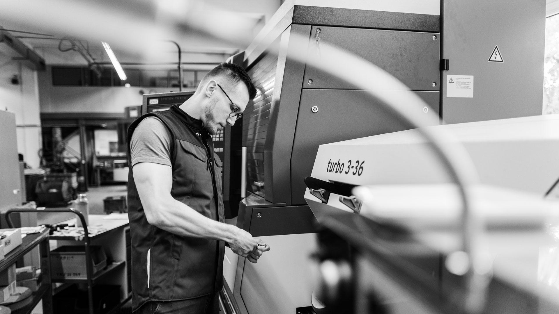 Einblick in die Produktionsstätte / Mitarbeiterportrait